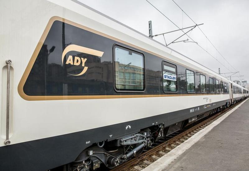 Очередные 10 вагонов Stadler доставлены в Азербайджан