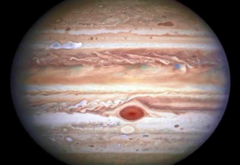 Телескоп Hubble увидел уникальный белый шторм на Юпитере