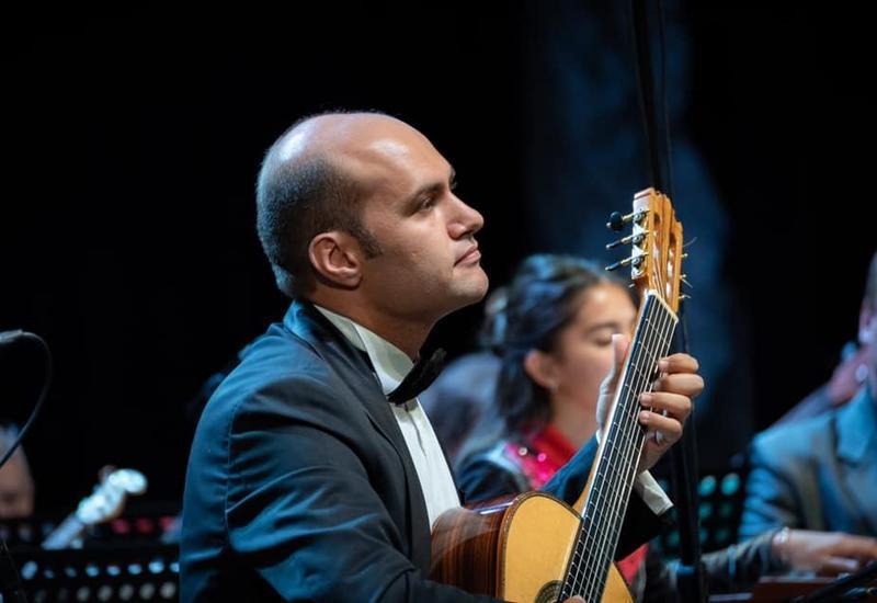 Азербайджанский музыкант выступил с сольным концертом в Астрахани