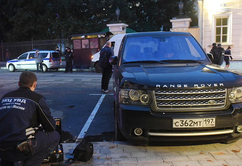 В резиденцию посла США в Москве прорвался автомобиль