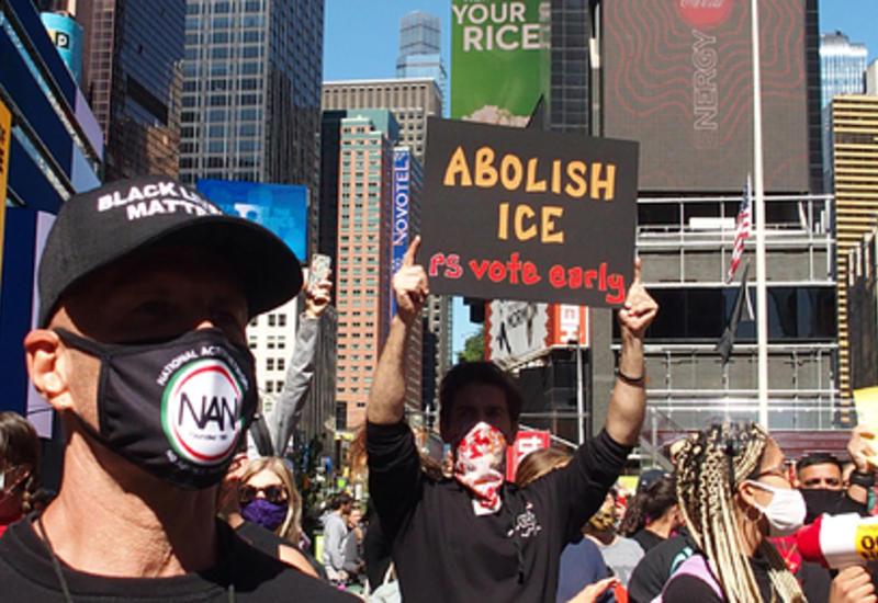 Нью-Йорк объявили городом анархии
