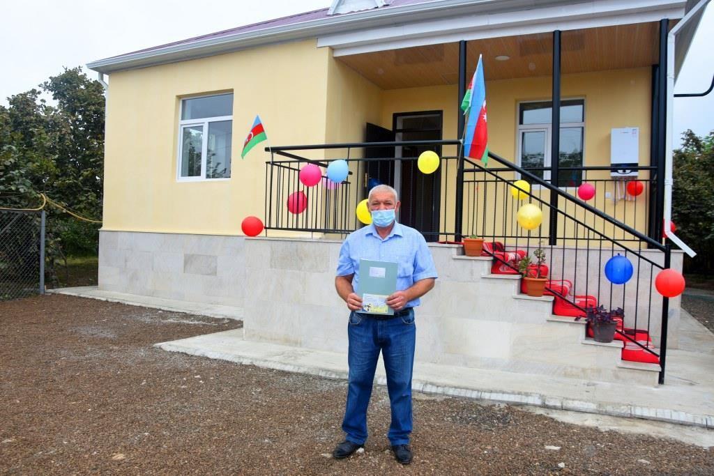 Семьи шехидов и инвалиды Карабахской войны получили новые дома