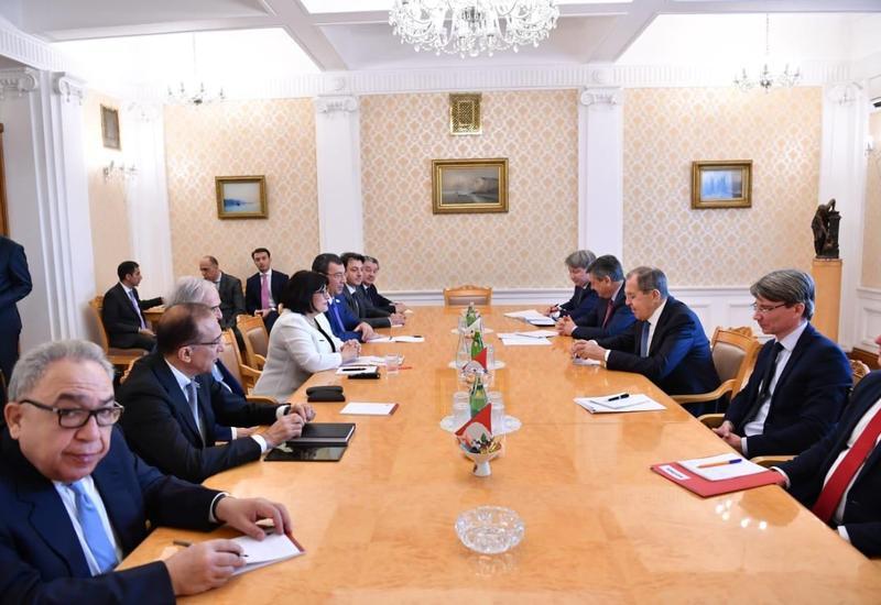 Состоялась встреча Сахибы Гафаровой с Сергеем Лавровым