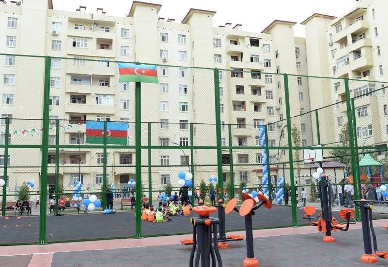 В рамках проекта «Наш двор» в Сураханском районе благоустроен и передан в пользование жителей очередной двор