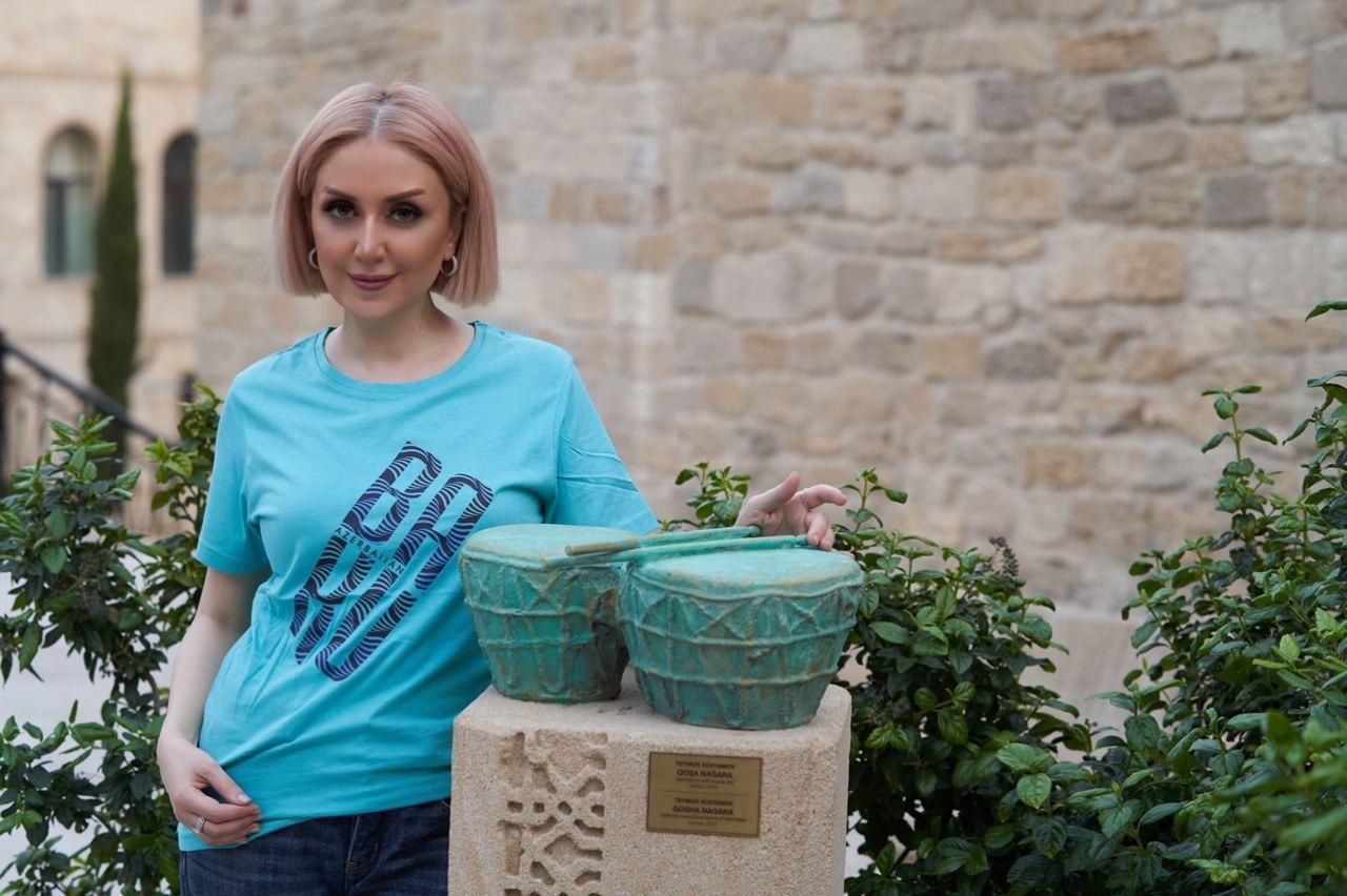Известный азербайджанский дизайнер Гюльнара Халилова начинает сотрудничество с брендом «Yerli Souvenirs»