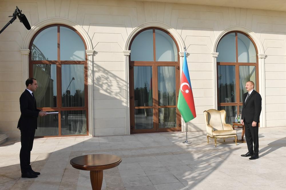 Президент Ильхам Алиев принял верительные грамоты нового посла Швеции в Азербайджане