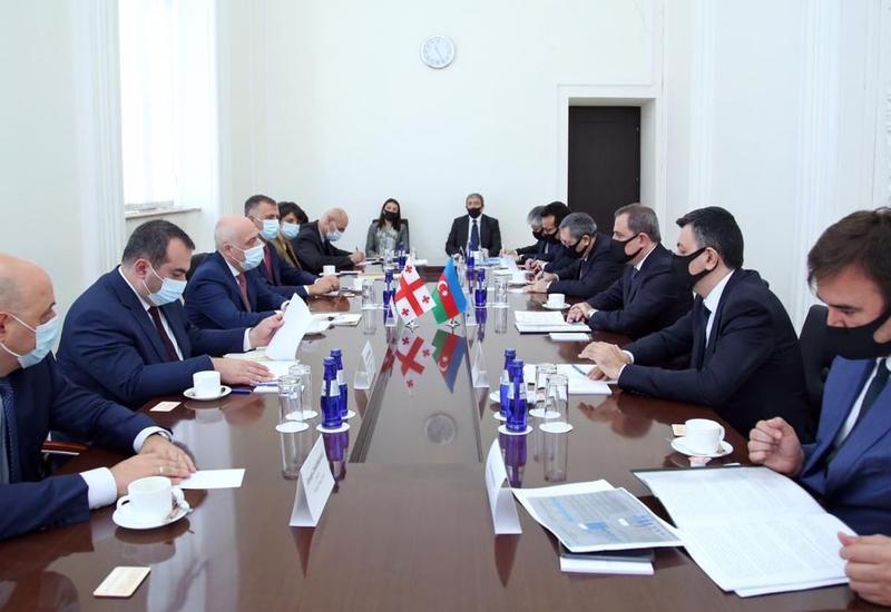 Джейхун Байрамов на переговорах с грузинским коллегой