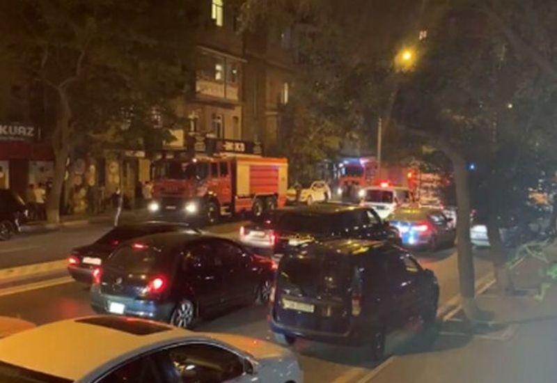 Сильный пожар в Баку