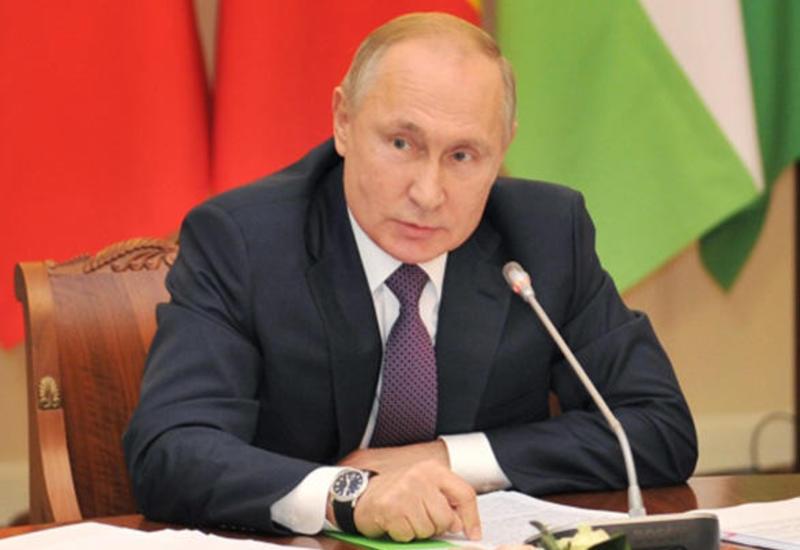 Владимир Путин обсудил с членами Совбеза РФ ситуацию в Карабахе