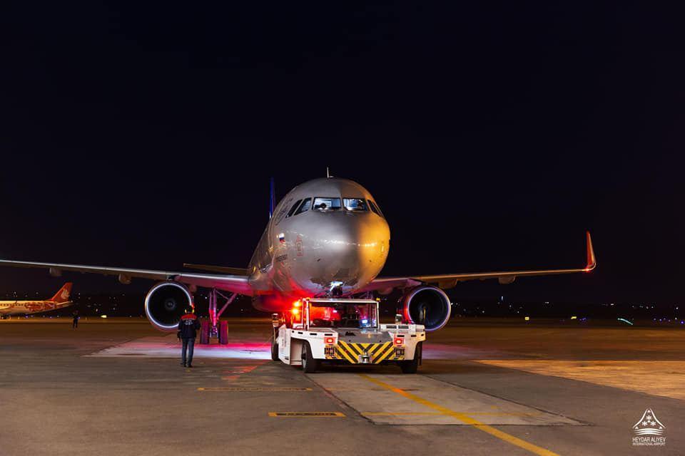 """""""Аэрофлот"""" совершил первый за несколько месяцев рейс в Баку"""
