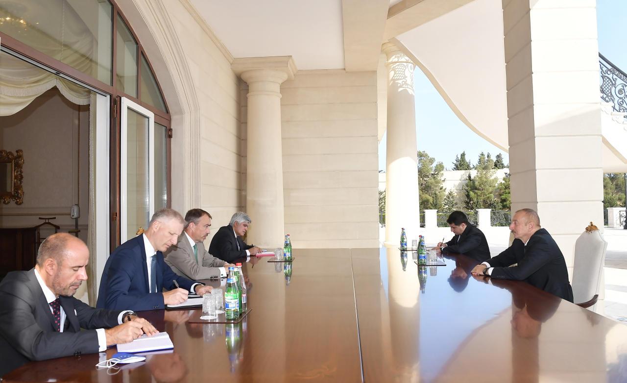Президент Ильхам Алиев принял спецпредставителя ЕС по Южному Кавказу
