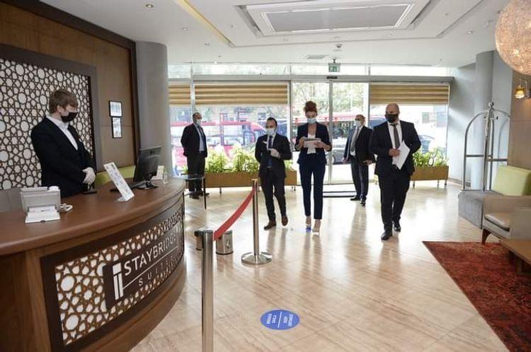 В 128 азербайджанских отелях выявили нарушения карантинных правил