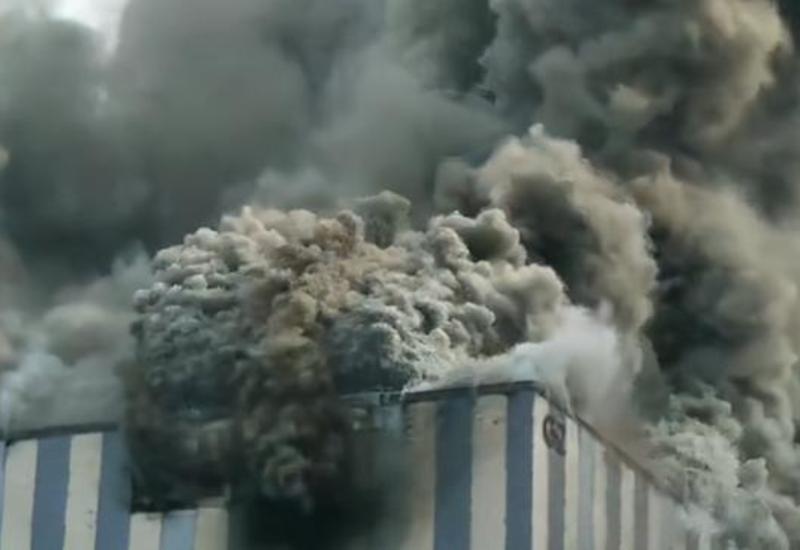 В Китае горит завод Huawei