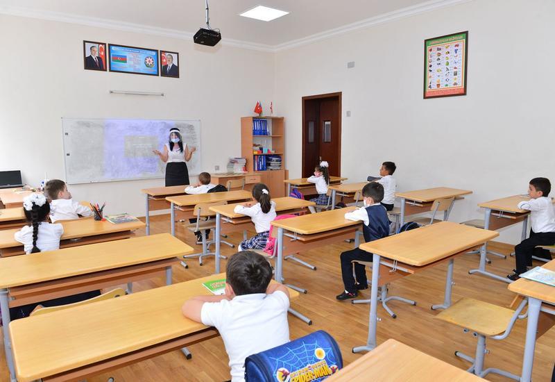 В Азербайджане 10 школьников заразились коронавирусом