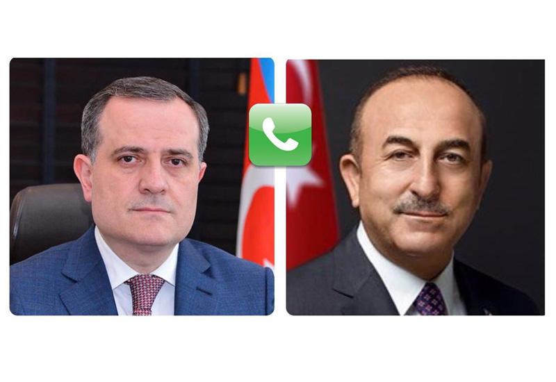 Джейхун Байрамов и Мевлют Чавушоглу обсудили провокацию Армении