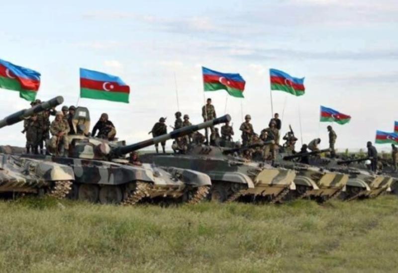 В Азербайджане вступило в силу военное положение