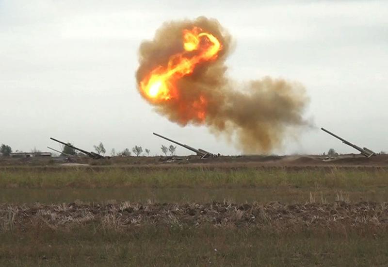 Азербайджанская армия наносит мощные контрудары по военным объектам в Агдере