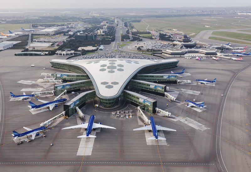 Международный аэропорт Гейдар Алиев временно работает в ограниченном режиме