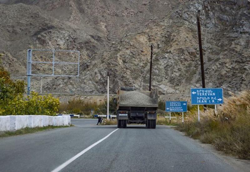 Иран приостановил движение российских грузовиков в Армению