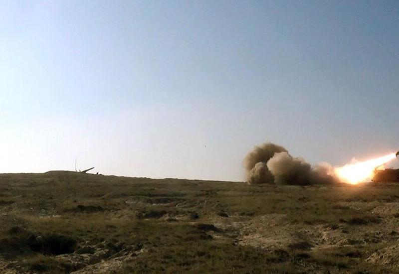 ВС Армении подвергают артобстрелу город Тертер
