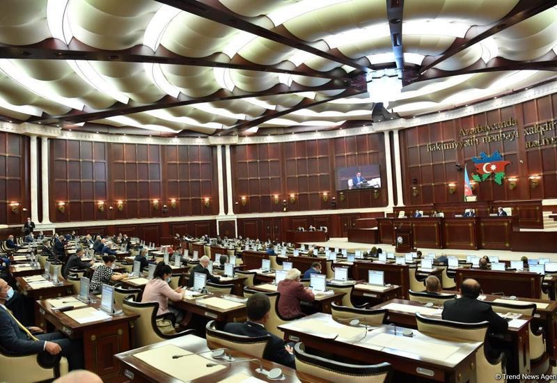 Парламент Азербайджана примет декларацию в связи с годовщиной начала Отечественной войны