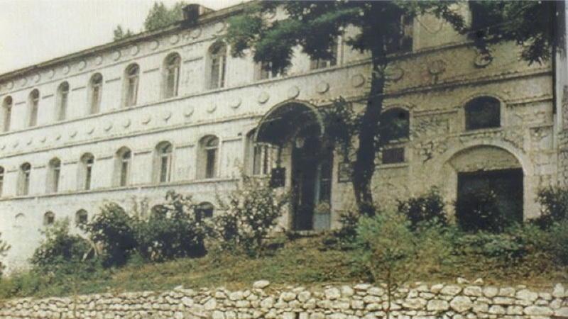 Оскверненные армянами музеи Карабаха ждут своих освободителей