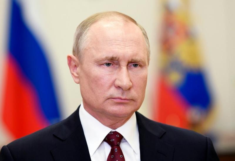 Путин продлил срок временного пребывания мигрантов