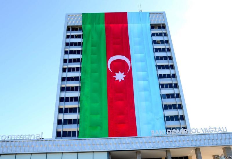 Флаги Азербайджана украсили нашу столицу