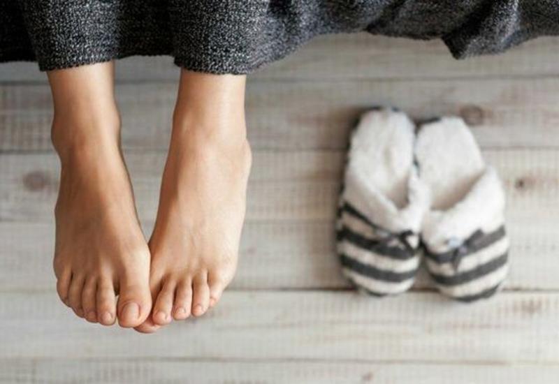 Врач назвала болезни, на которые указывают холодные ноги