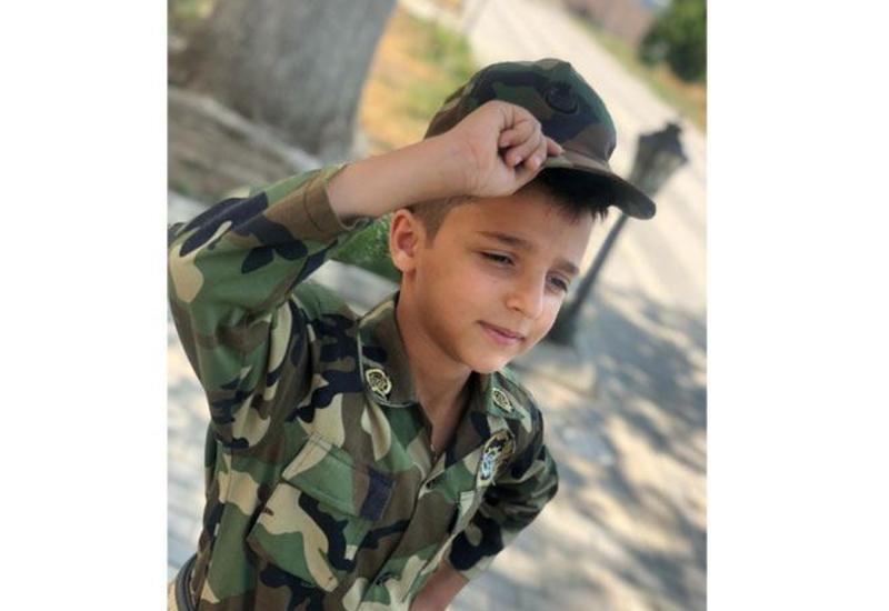 12-летний азербайджанский школьник отправил солдатам накопленные деньги