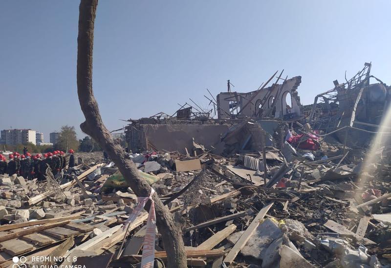ТАСС показал последствия ракетного удара Армении по жилому дому в Гяндже