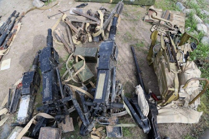 Füzulidə ələ keçirilən düşmən silah-sursatı