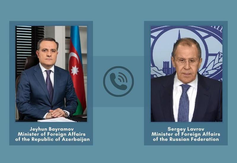 Azərbaycan və Rusiya XİN rəhbərləri arasında telefon danışığı olub