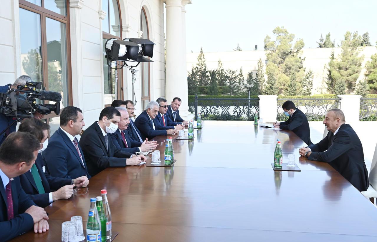 Президент Ильхам Алиев принял делегацию во главе со спикером Великого национального собрания Турции