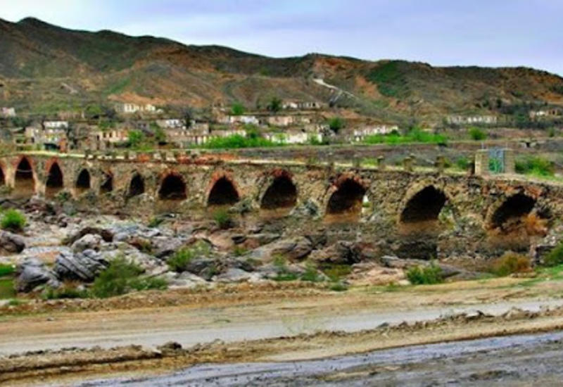 Худаферинский мост получил свободу от оккупантов