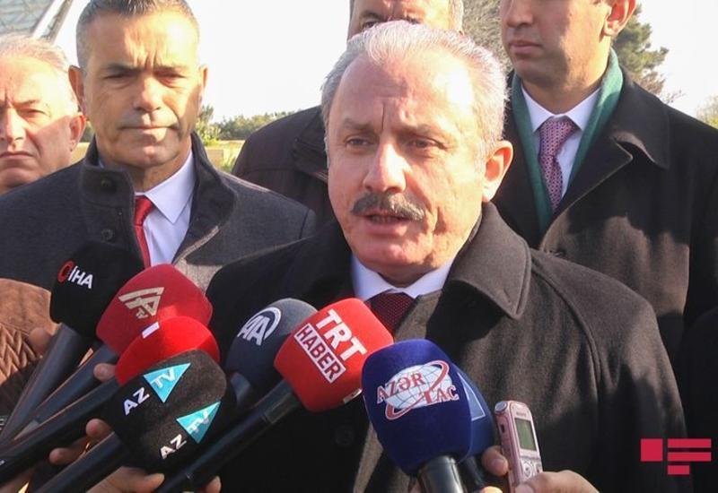 Мустафа Шентоп посетил место армянского теракта в Гяндже
