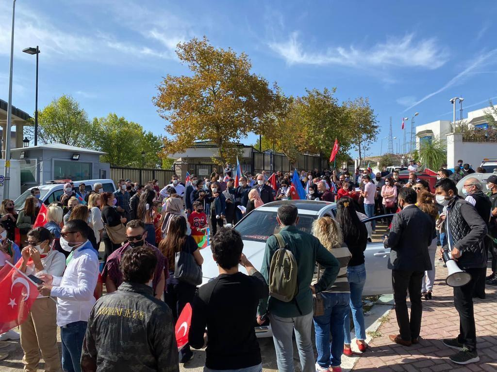 В Анкаре прошел автопробег в знак протеста армянскому террору в Гяндже