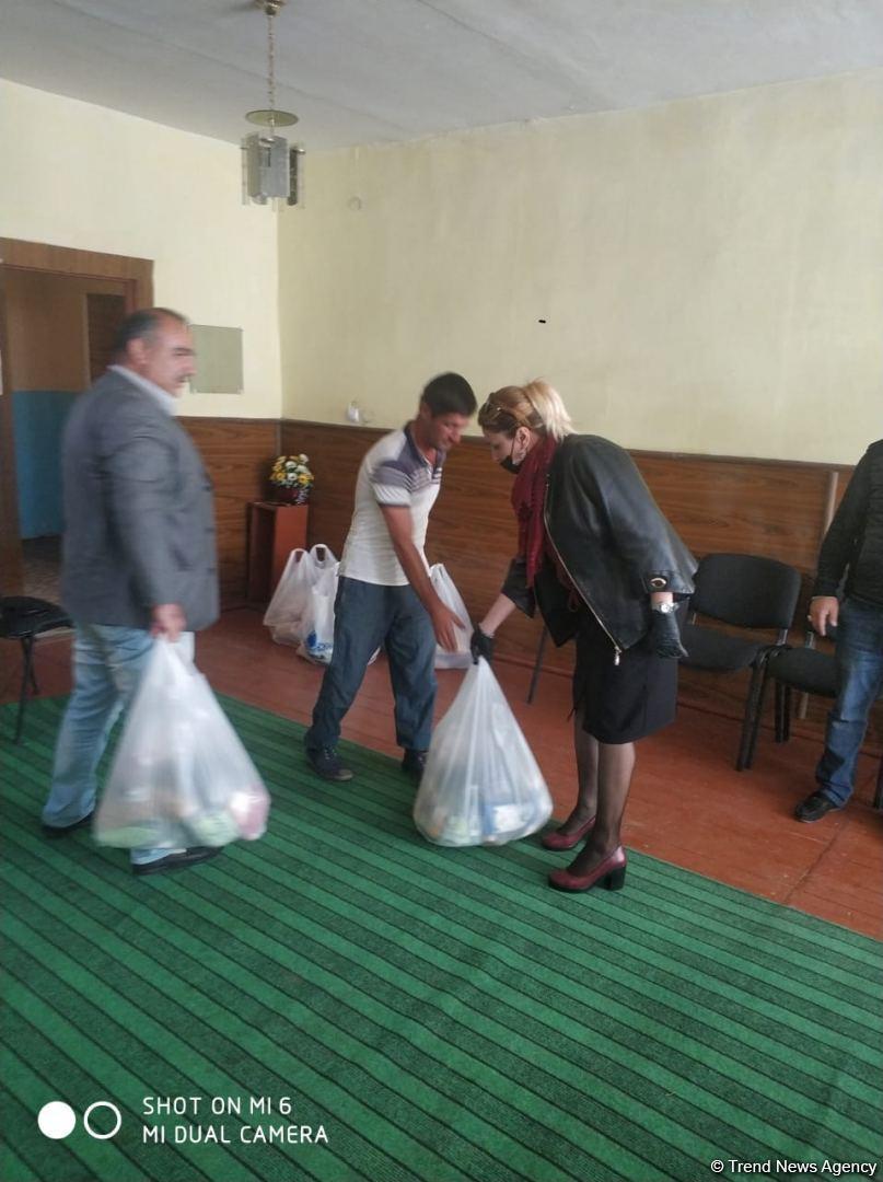 По инициативе депутата Севиль Микаиловой в Худате оказана помощь семьям, чьи дети находятся на военной службе