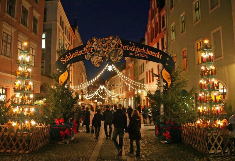 В Европе начали отменять рождественские ярмарки