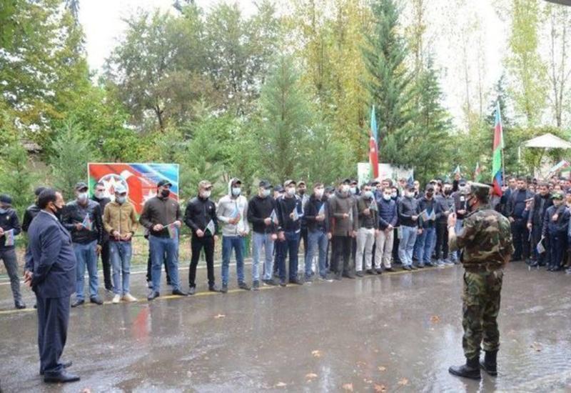 В Азербайджане каждый отправленный на фронт солдат проходит проверку на COVID-19