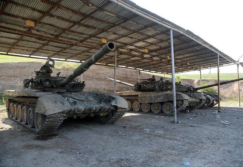 Минобороны Азербайджана показало десятки захваченных армянских танков