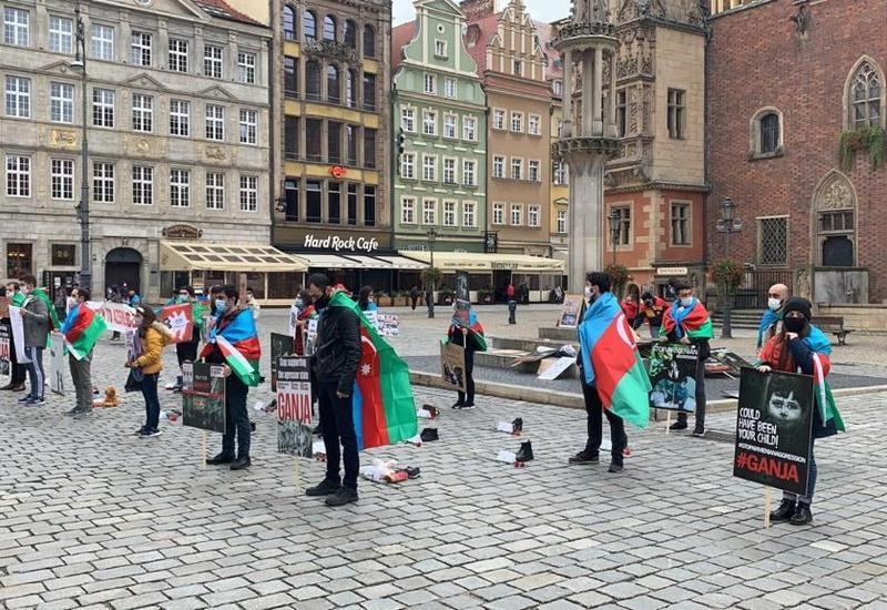 Азербайджанцы Польши провели акцию против армянского фашизма