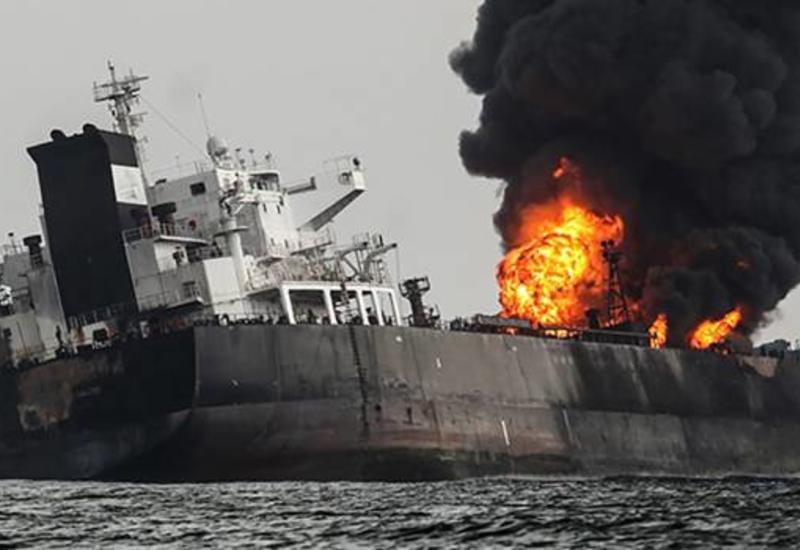 В Азовском море произошел взрыв на танкере с нефтью