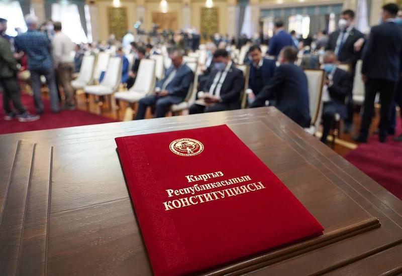 В Кыргызстане объявлена дата досрочных президентских выборов