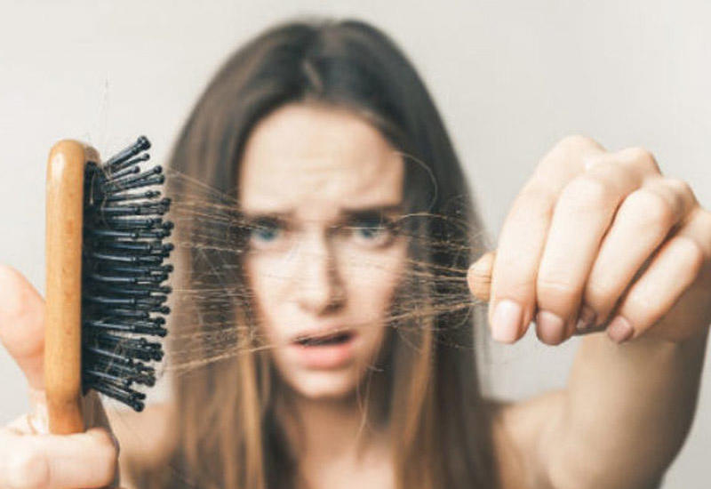 Koronavirusdan sağalanlarda saç tökülməsi müşahidə edilib