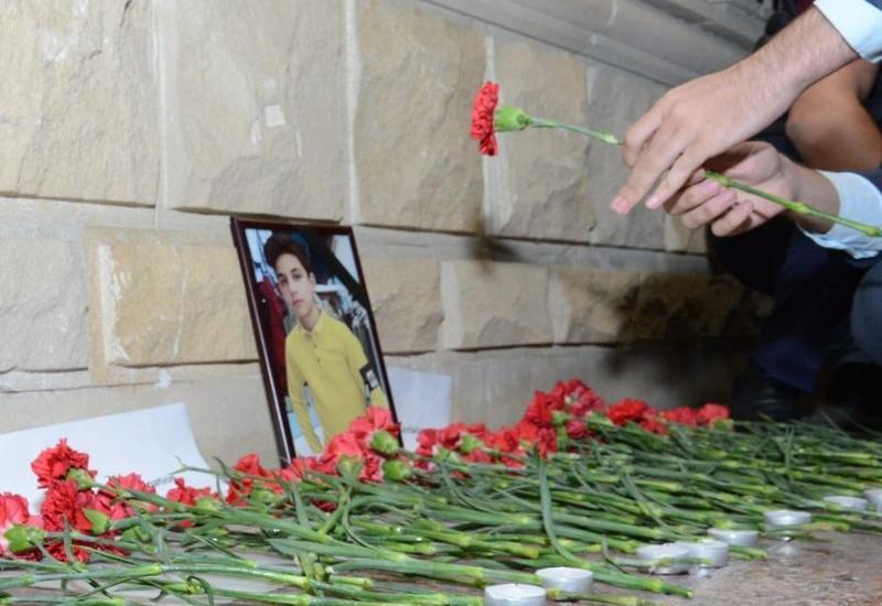 Подростки почтили память гражданина России, погибшего в результате обстрела Гянджи ВС Армении