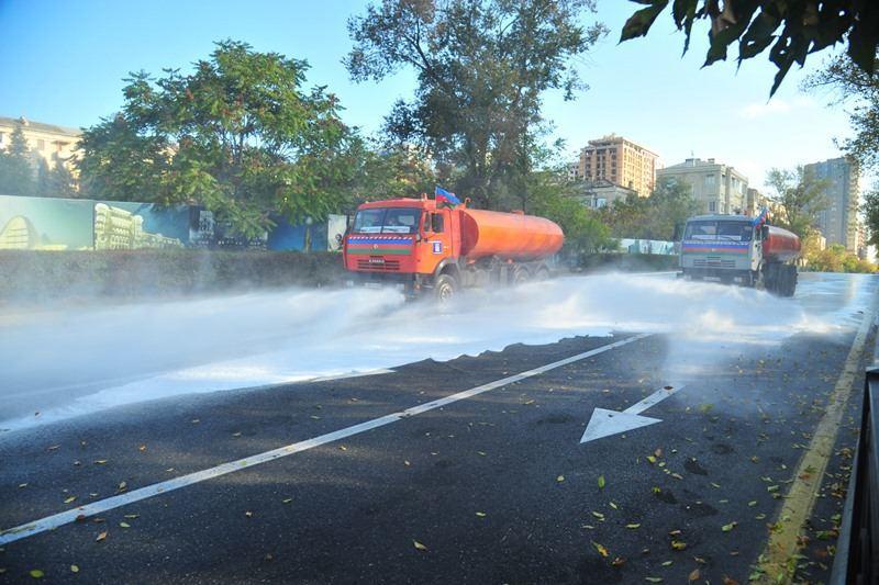 В Баку провели дезинфекцию 554 улиц и проспектов