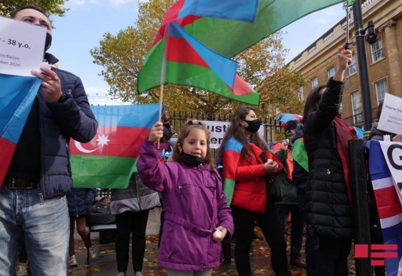 В Лондоне проведена акция c призывом прекратить армянскую агрессию