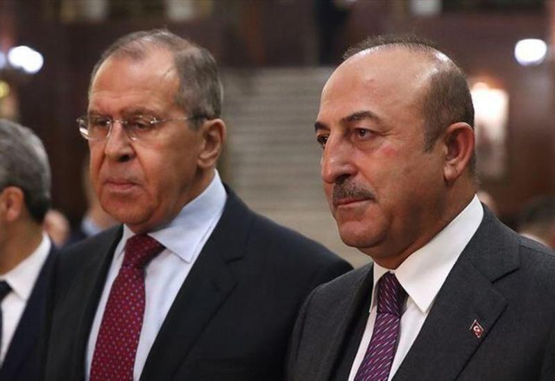 Чавушоглу и Лавров обсудили нагорно-карабахский конфликт