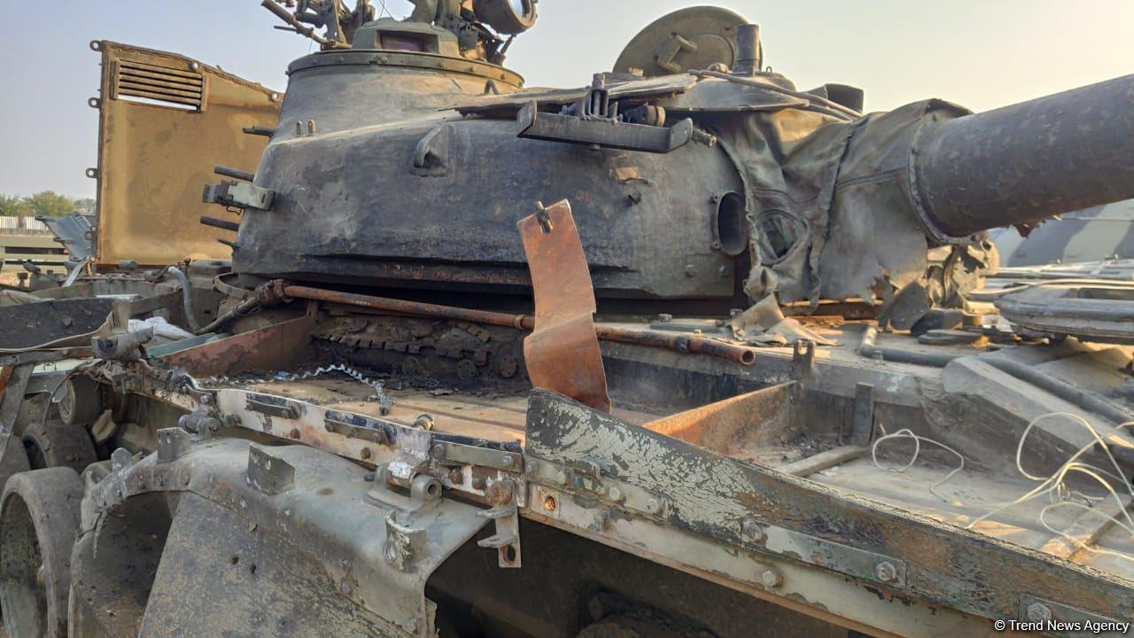 Захваченные армянские танки теперь стреляют в армян